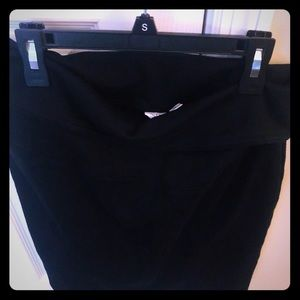 Brand new w/o tags black maternity skirt from GAP
